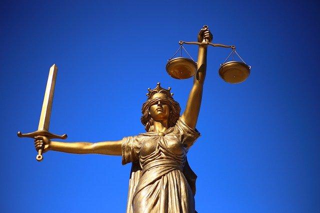 Dlaczego studiować prawo?